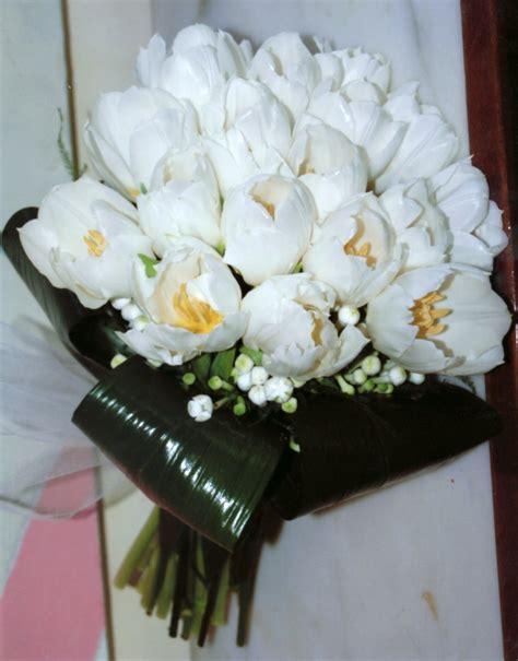 bouquet sposa fiori d arancio fioreria la mimosa bouquet da sposa con calle e fiori d