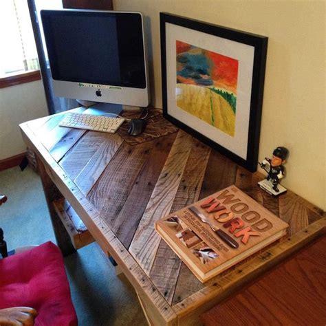 bureau palette bois fabriquer un bureau en palette photos de conception de