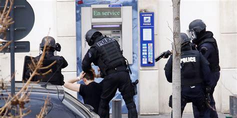 bureau de poste colombes br 232 ve prise d otages dans une poste 224 colombes