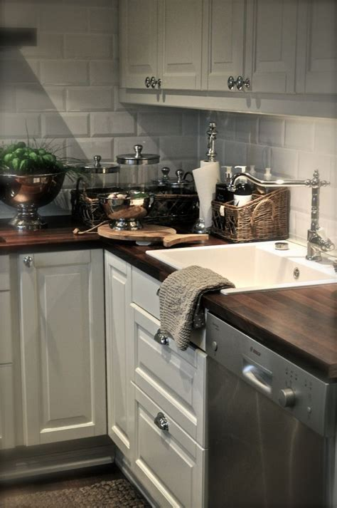 Kitchenlove The White Matte Subway Tile With The Dark