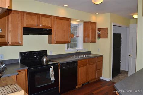 27 Curtis Road, Freeport, ME 04032 is For Sale | Benchmark ...