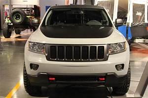 Autoblog Sema 2010  Jeep Grand Cherokee Gets Low