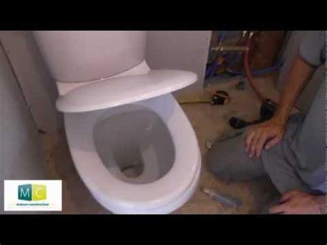 mesure d une chaise pose wc installation toilettes avec chasse d 39 eau laying a toilet