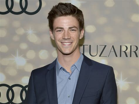 grant gustin wallpapers images  pictures backgrounds