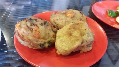 ote cuisine ada gorengan ote ote dan tahu isi picture of soto