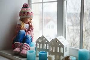 Fensterbank Deko Kinderzimmer : bezaubernde winter fensterdeko zum selber basteln ~ Markanthonyermac.com Haus und Dekorationen