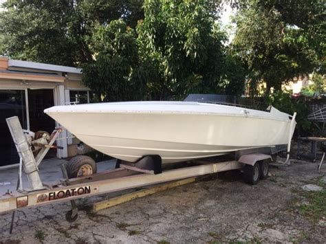 Scarab V8 Boat by Scarab 1 Mercruiser 350 V8 Alpha 1 New Gel Coat New