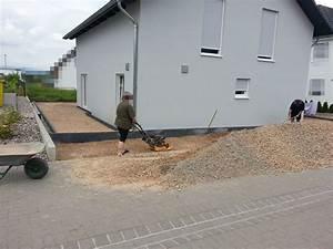 Steine Ums Haus : schotter und pflasterarbeiten wir bauen dann mal ein haus ~ Buech-reservation.com Haus und Dekorationen