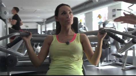 Mascha Vang Træning - YouTube