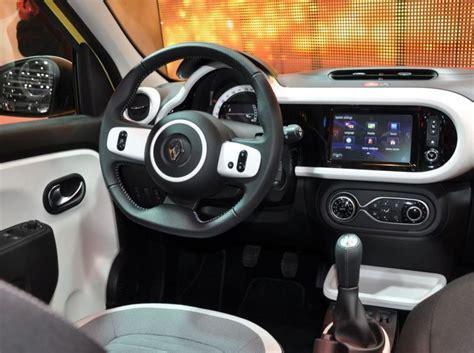 renault twingo 3 interieur essai renault twingo 2015 en vid 233 o actualit 233 s sport auto le pilote automobile