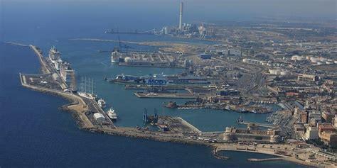 migranti augello civitavecchia porto crociere rischio disastro economico
