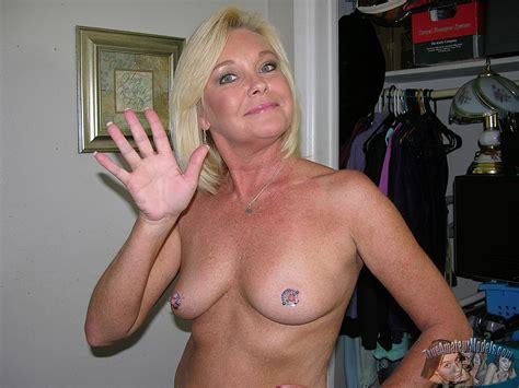 older blonde mature milf homemade nude modeling nude blonde middleaged milf paris17