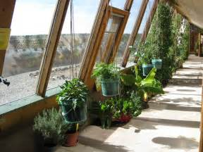 hobbit home interior file earthship inside greenhouse jpg wikimedia commons