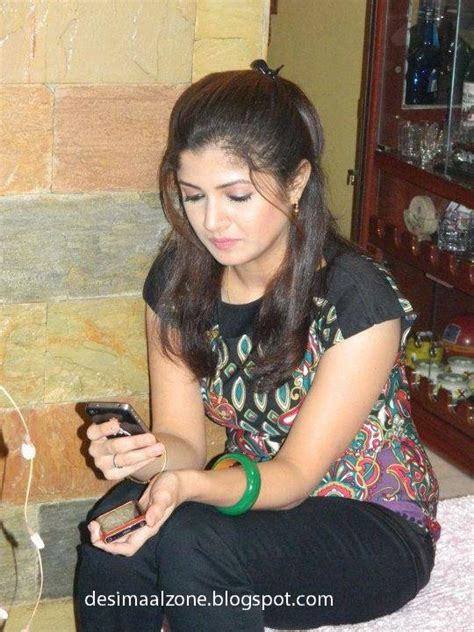 Hot Desi Girls 18 Year Old Cute Desi Girls Picture Collection