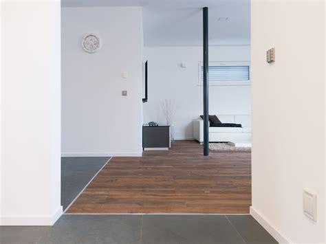 Parkett Und Fliesen Kombinieren Bilder by Schiefer Fliesen Grey Slate Kombiniert Mit Parkett Boden