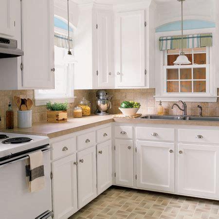 redoing kitchen cabinets on a budget 海外インテリア画像 かわいい 参考にしたい白いキッチン シンプル ナチュラル naver まとめ 9207