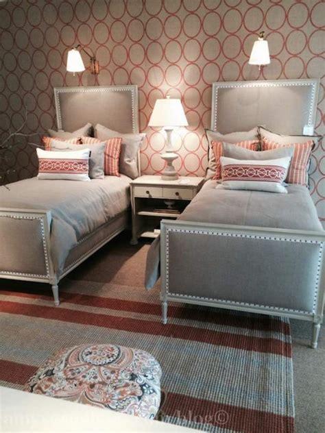 chambre a deux lits chambre à coucher adulte avec deux lits en 23 exemples