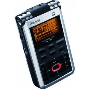 "Roland R-05 Portable 24-bit Digital Audio Recorder, 2 Tracks, Media SD, BuiltIn Microphone, 1/8"", Bit/96kHz, USB,"