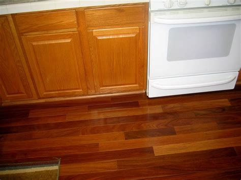 pergo flooring cabinets oak cabinets and laminate flooring had a lam floor claussen or some such name just like