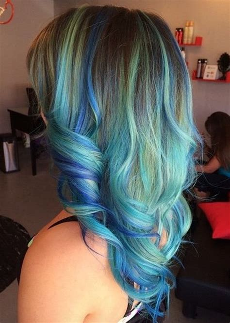 Blue And Hairstyles by 15 Blue Highlight Hairstyles