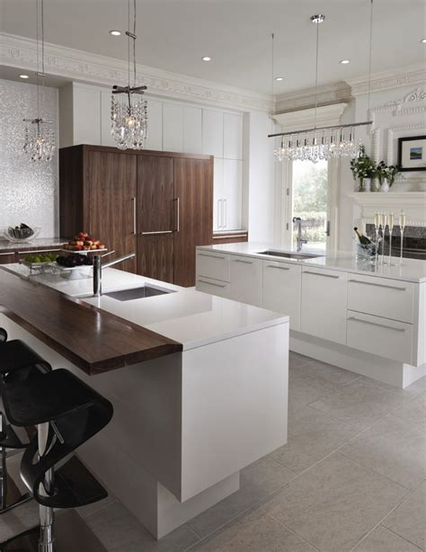Thermofoil Kitchen Cabinets Peeling Great Thermofoil Cabinets Peeling Decorating Ideas Gallery In Bathroom Traditional Design Ideas