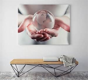 Wandbilder Fürs Büro : die welt auf der hand haben poster und wandbilder f rs b ro bilder und poster ~ Bigdaddyawards.com Haus und Dekorationen