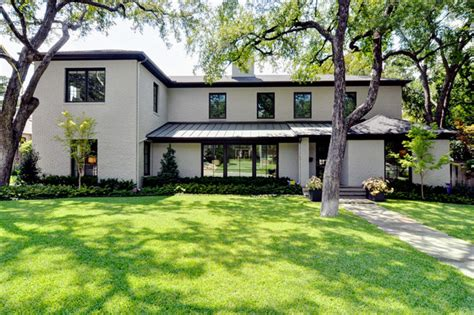 glass bungalow design home design modern bungalow modern exterior dallas by braswell homes inc