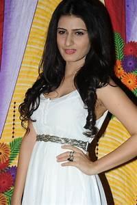 Nuvvu Nenu Actress images
