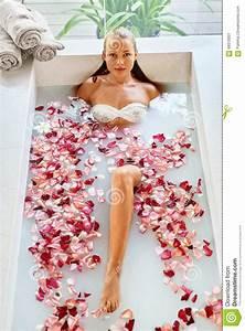 Woman Spa Flower Bath Aromatherapy Relaxing Rose Bathtub