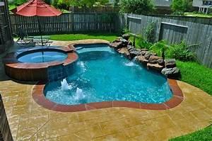 modern swimming pool for small yard nytexas With swimming pool designs small yards