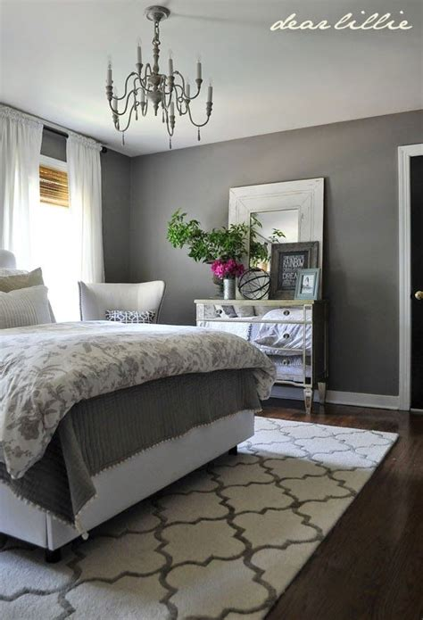 Bedroom Decorating Ideas Grey Paint by Some Finishing Touches To Our Gray Guest Bedroom By Rug