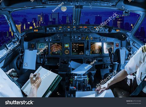 it inside the cockpit of flight 1549 ny daily news flight inside a cockpit flying on new york skyline