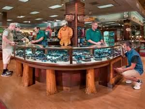Bass Pro Shop Store