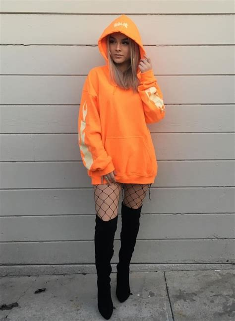 Best 25+ Orange outfits ideas on Pinterest   Womenu0026#39;s orange outfits Orange fashion and Orange ...