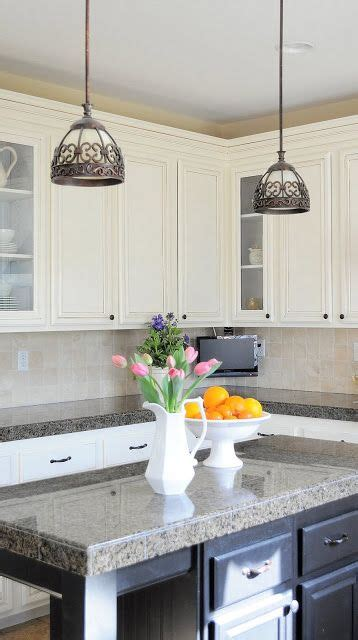 lighted kitchen cabinets 137 best images about diy kitchen cabinets on 3767