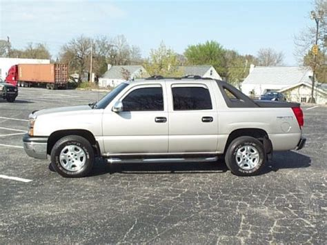 automotive repair manual 2004 chevrolet avalanche 2500 auto manual 2004 chevrolet avalanche 2500 power sunroof manual operation find used 2004 chevy avalanche
