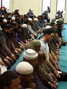 'They are feeding ISIS' Muslims call for halt to PEGIDA ...