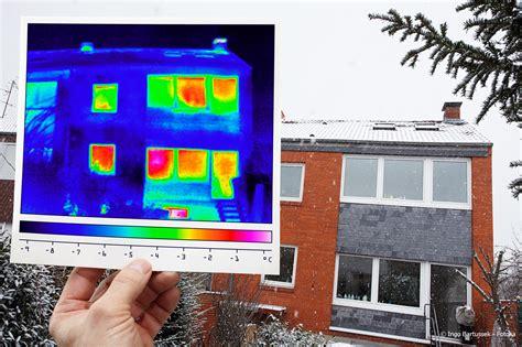 Energetische Sanierung Schwachstellen Mit Der Waermebildkamera Erkennen by Mit Thermografie Heizkosten Sparen Sanieren Und D 228 Mmen