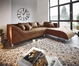 Wohnzimmer Mit Brauner Couch : couch cadiz braun 261x204 antik optik keder ottomane rechts ecksofa ~ Markanthonyermac.com Haus und Dekorationen