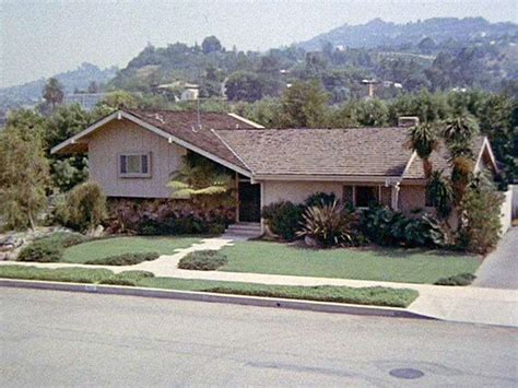 split level house what 39 s a split level house a home for the 39 brady bunch