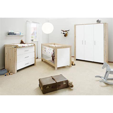 chambre bebe bois massif les tendances chambre bébé chêne massif naturel et blanc