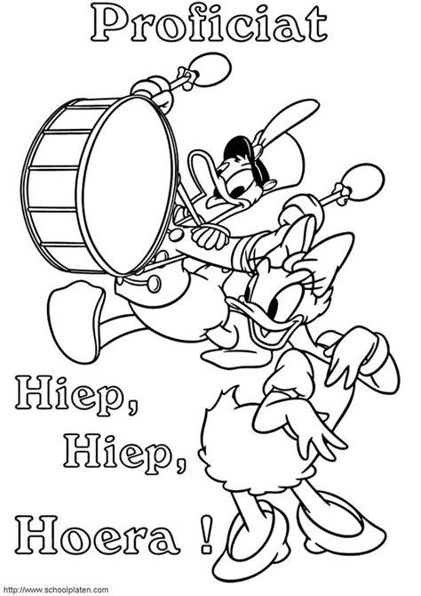 Kleurplaat Donald Duck Met Taart by Kleuren Nu Donald Duck Maakt Muziek Kleurplaten