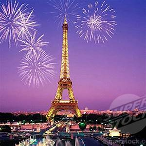 Eiffel tower at night with fireworks. Beautiful! #Paris # ...