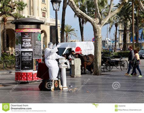 Living Statue In Las Ramblas, Barcelona, Spain Editorial ...