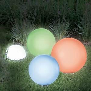 Lampe Extérieure Solaire : lampe boule solaire color 20 cm eclairage et d coration ext rieure ~ Teatrodelosmanantiales.com Idées de Décoration