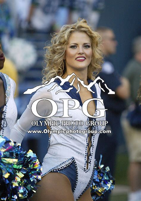 nfl sep  cardinals  seahawks olympic photo group