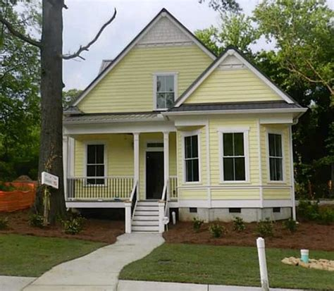 need help with exterior paint color gray metal roof