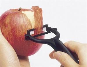 How To Peel An Apple Properly How To Instructions