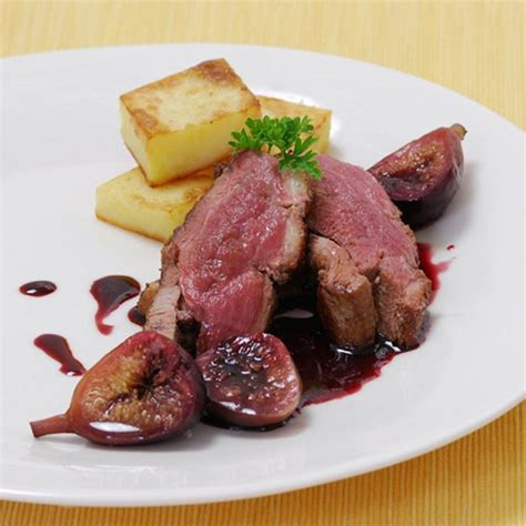 duck food duck breast with wine and figs recipe gourmet food store