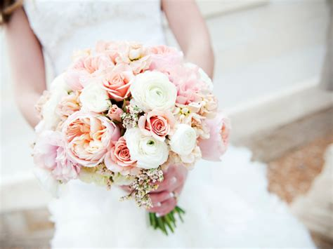 Mandie And Davids Blush Wedding Flowers Calie Rose